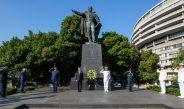 AMLO rinde homenaje a Benito Juárez, en EU